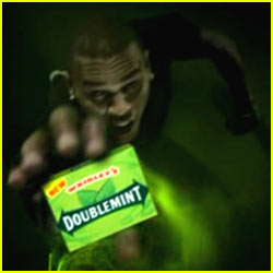 wrigleys-dumps-chris-brown-doublemint-gum